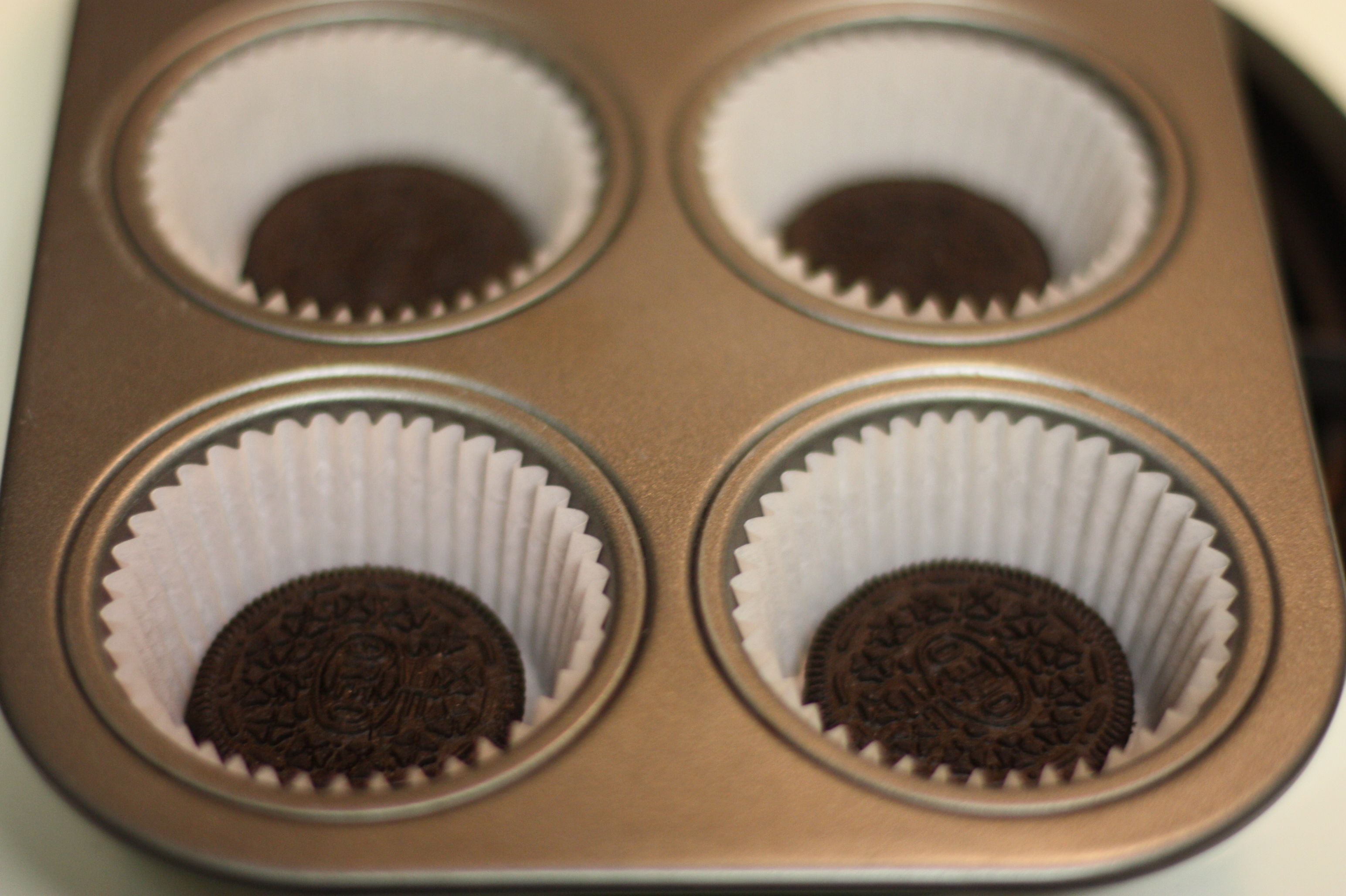 Weekend Baking Oreo Cupcakes with Cookies Cream Frosting Diary